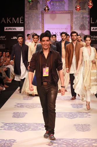 designs of kurtis by manish malhotra. MANISH MALHOTRA