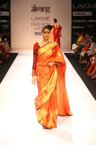 Deepika govind pop patola collection