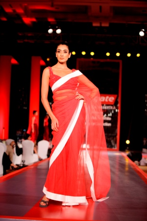 Model in Manish Malhotra's Visible White Collection in the colours of White & Red3