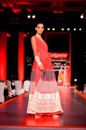 Model in Manish Malhotra's Visible White Collection in the colours of White & Red5