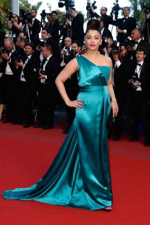 Cannes13-Aishwarya6